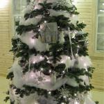 Citizens State Bank's tree and the Eastside Foundation's tree tied for first place in the People's Choice voting.